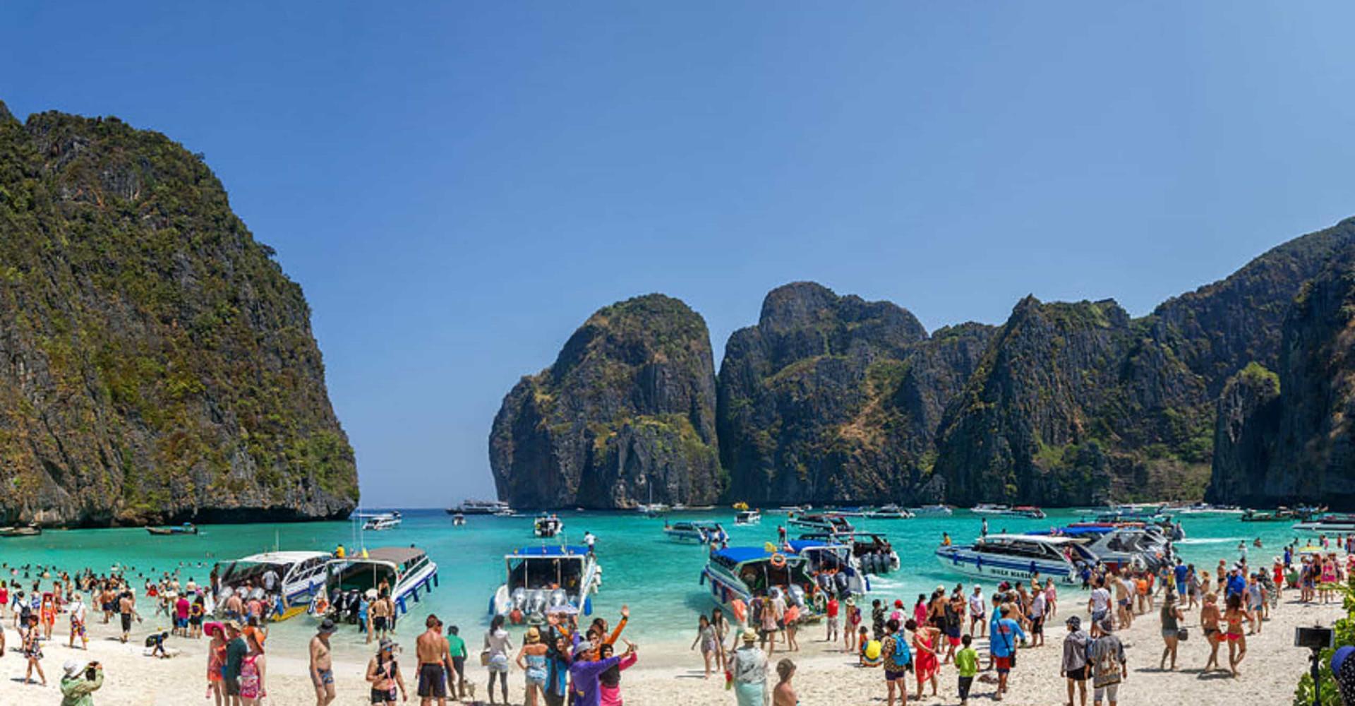 Destinos turísticos arrasados por las hordas de turistas