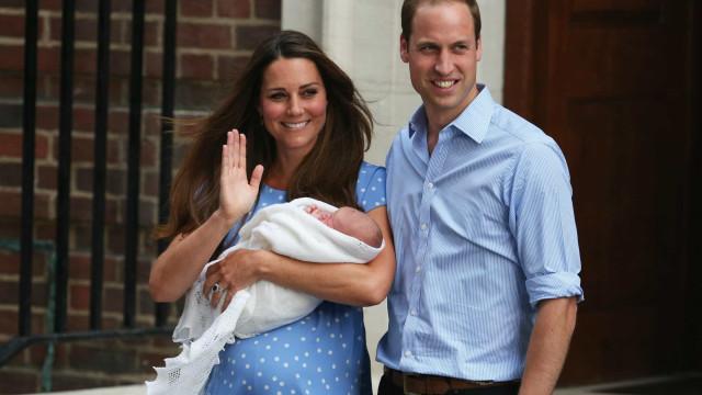 Royal Babies: le bizzarre tradizioni reali a cui Meghan non potrà sottrarsi