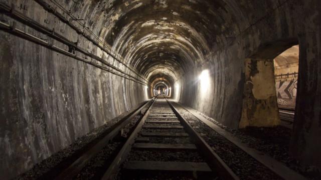 Les stations fantômes du métro parisien