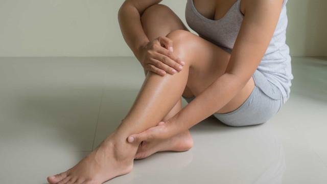 Alivia ese incómodo dolor de piernas de forma efectiva