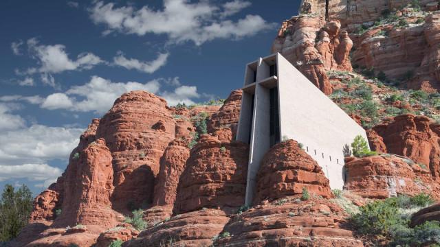 Arquitectura extraterrestre en la Tierra