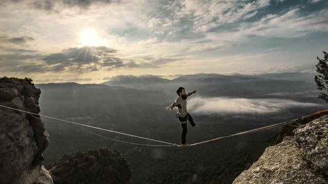 30 incredibili acrobazie che ti faranno venire i brividi