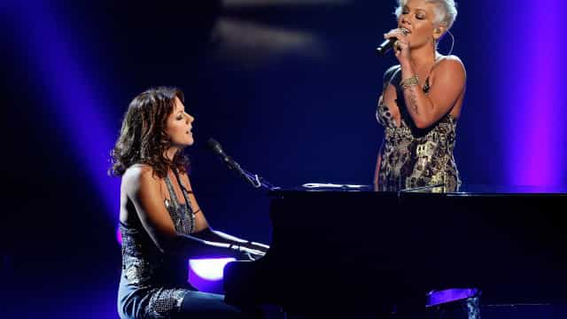 Sarah McLachlan and Pink show each other some love