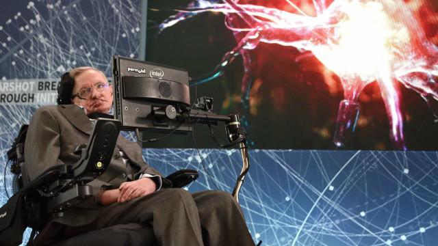 ALS – Das steckt hinter Stephen Hawkings Erkrankung