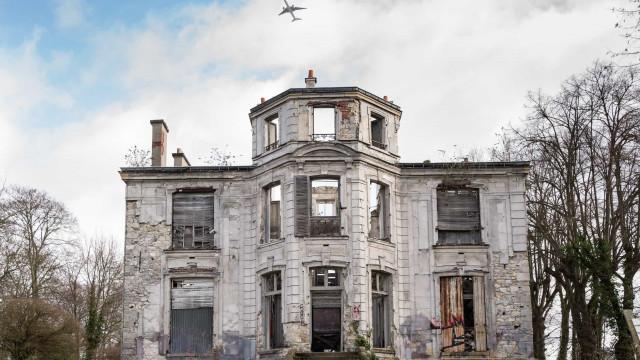 Découvrez cet incroyable village abandonné proche de Paris