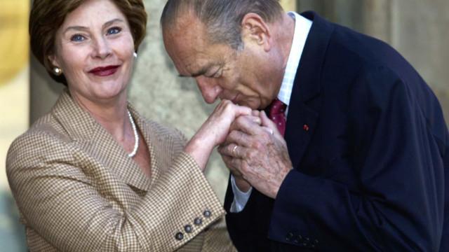 Les plus beaux baise-mains de Jacques Chirac