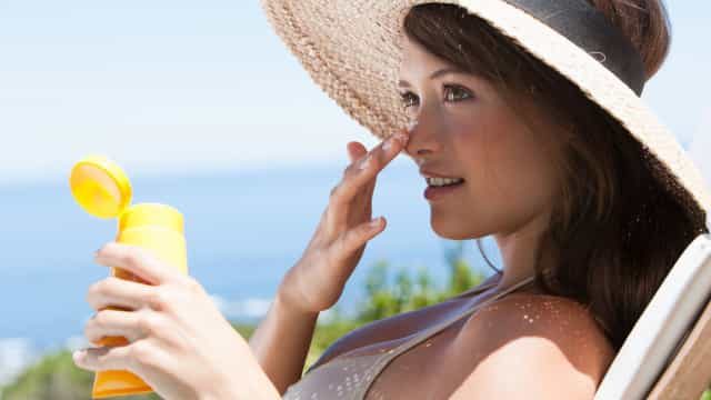 Glitter sunscreen is the ultimate summer accessory