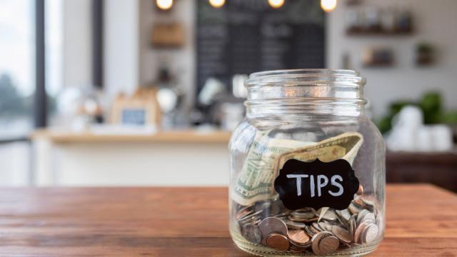Wie viel Trinkgeld gibt man auf Reisen?