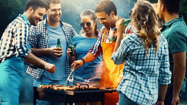 Eine Anleitung für das perfekte Sommer-BBQ