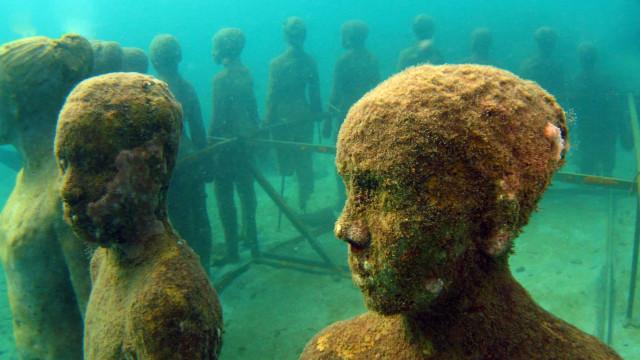 Buceando por los monumentos submarinos más espectaculares del mundo