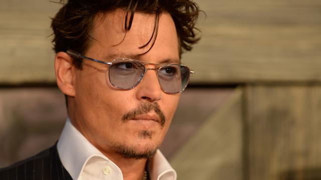 Johnny Depp vende casa e deixa irmã 'na rua', afirma site