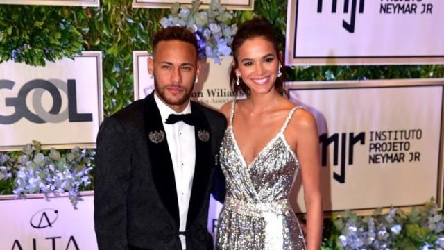 """Pai de Neymar fala sobre Bruna Marquezine: """"A nossa relação não muda"""""""