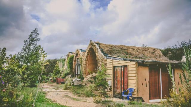 Uskomaton tarina Tameran utopistisesta rauhankylästä