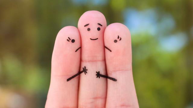 Poliamore: amare più persone allo stesso tempo si può?