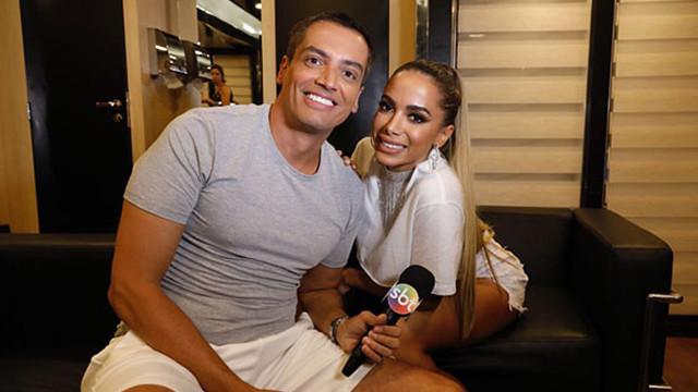 Acusado de mentir em biografia, Leo Dias comenta vazamento do livro de Anitta