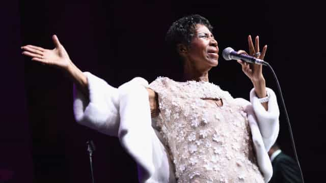 Celebrities support Aretha Franklin amidst reports of her serious illness