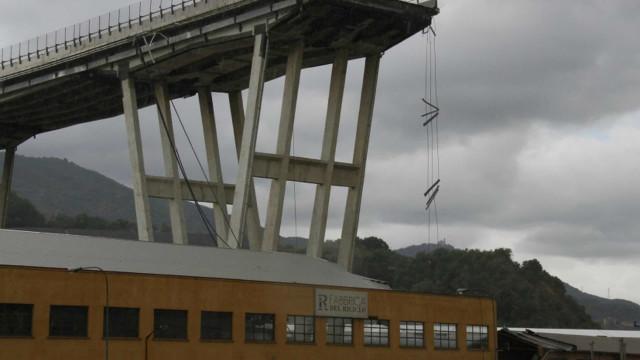 Devastating bridge disasters around the world