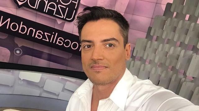 Leo Dias volta para o 'Fofocalizando' e nega contratação pela Record TV