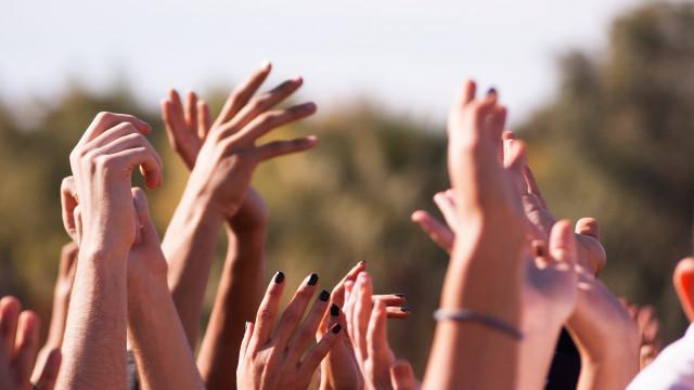 Meerderheid van vrouwen is bezorgd over betasting op festivals