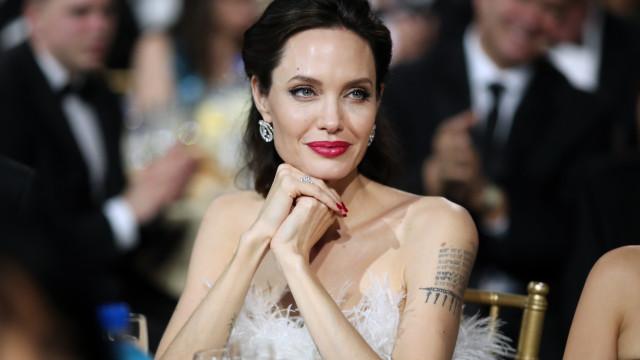 """Angelina Jolie fala sobre seguir carreira política: """"Estou apta a trabalhar"""""""