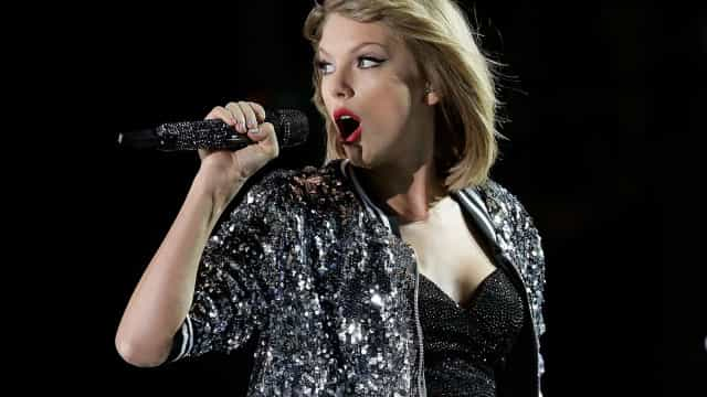 Taylor Swift and other stinky stars with bad personal hygiene