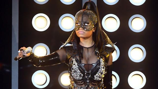 Nicki Minaj's latest performance was one big wardrobe malfunction