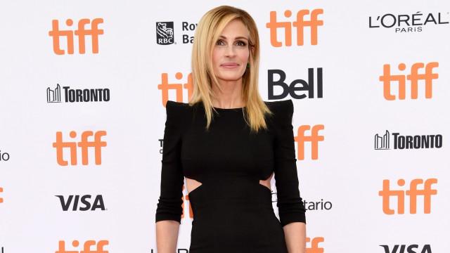 """Amigo diz que Julia Roberts é vítima dos padrões de beleza: """"Pesa apenas 47 kilos"""""""