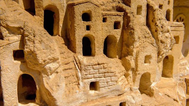 7 cidades subterrâneas onde pessoas realmente já viveram!
