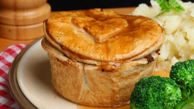 "British ""Pie and Mash"" shop blames vegans for forced closure"