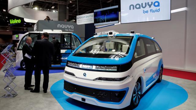 In esclusiva al Salone di Parigi: NAVYA Cab, il primo taxi-robot senza pilota