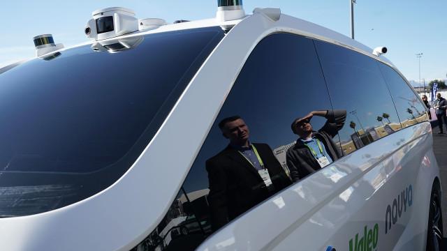 Le tout premier taxi-robot fait son apparition au Mondial de l'Auto