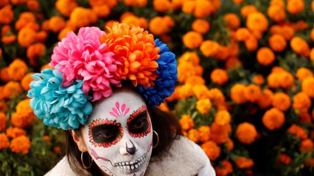 "Dia de Los Muertos eller ""de dödas dag"", är en färgsprakande fest"