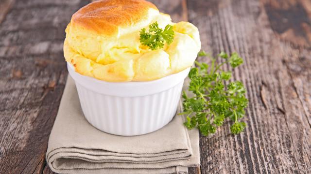 Soufflé al formaggio: un piatto succulento e soffice