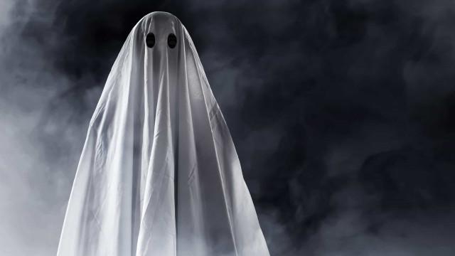 Donna britannica fidanzata con uno spirito fantasma?