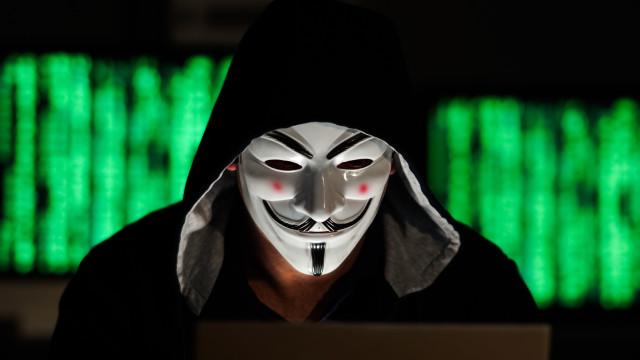 Anonymous Italia: gli hacker tornano a colpire il governo