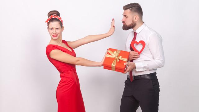 Come rifiutare un regalo di Natale, senza farsi odiare