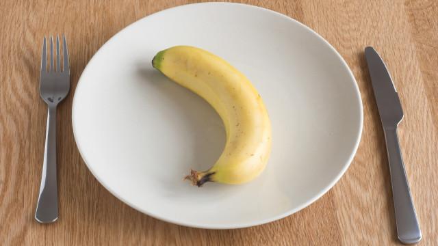 Opvallend: zo eet koningin Elizabeth haar fruit