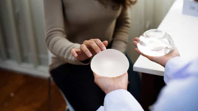 5 facts about Breast Implant Illness women should definitely know