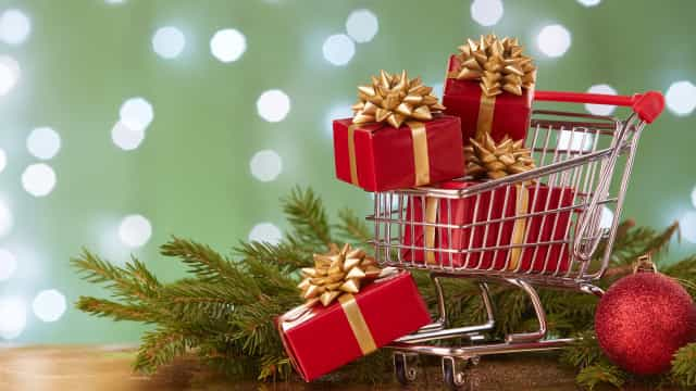 How to not go broke this holiday season