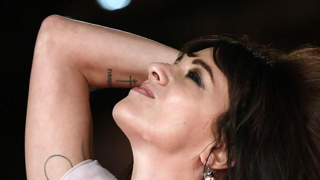 Asia Argento cambia look e stuzzica la curiosità dei fan