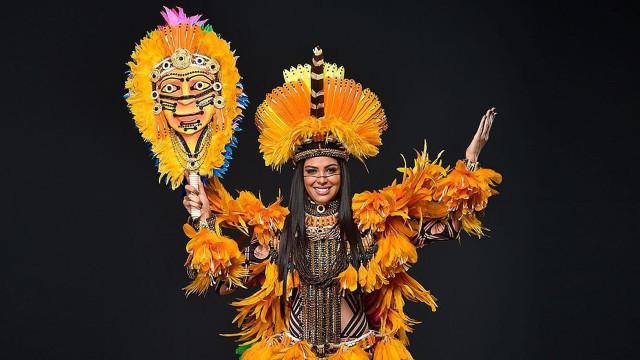 Brasileira Mayra Dias é ovacionado por traje típico no Miss Universo 2018