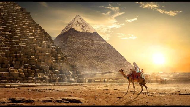 Egitto: perché è vietato scalare le Piramidi?