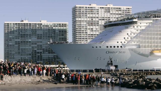 Olösta försvinnanden från kryssningsfartyg som inträffar varje månad