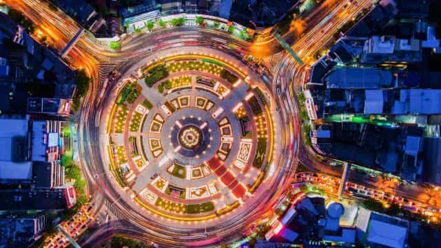 A journey round some of the world's most impressive traffic circles