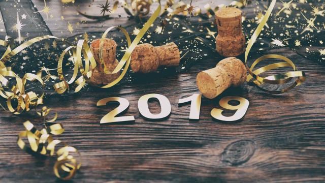 Katso tavat ja perinteet, joilla ihmiset varmistivat onnekkaan vuoden 2019