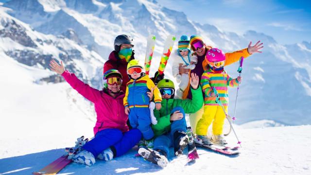 가족 여행으로 완벽한 전 세계 최고의 스키 리조트