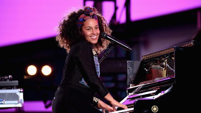 Découvrez la réaction géniale d'Alicia Keys lorsqu'elle apprend qu'elle animera les Grammy Awards