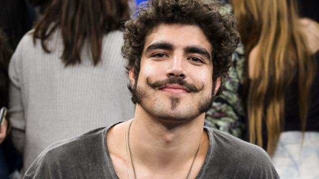 Caio Castro é condenado a pagar indenização após agredir fotógrafo