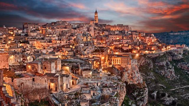 Découvrez 7 incroyables villages souterrains