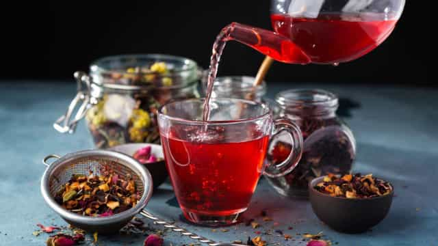 Herbal infusions for health and happiness